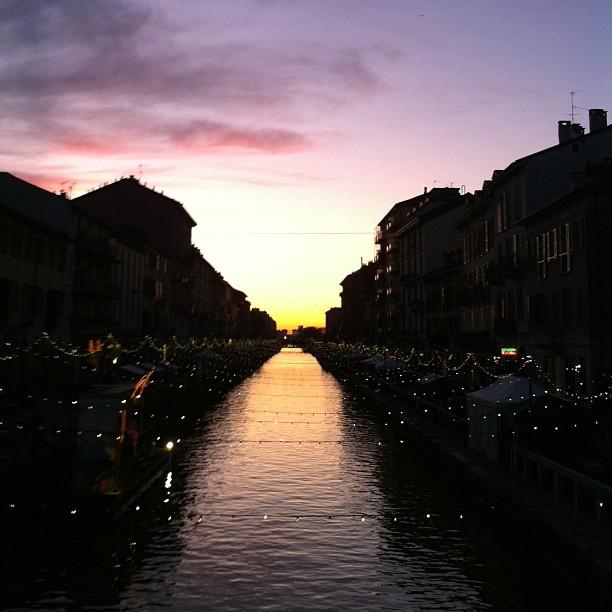 Milano, dicembre, Navigli. Foto da instagram/ale9ssandra