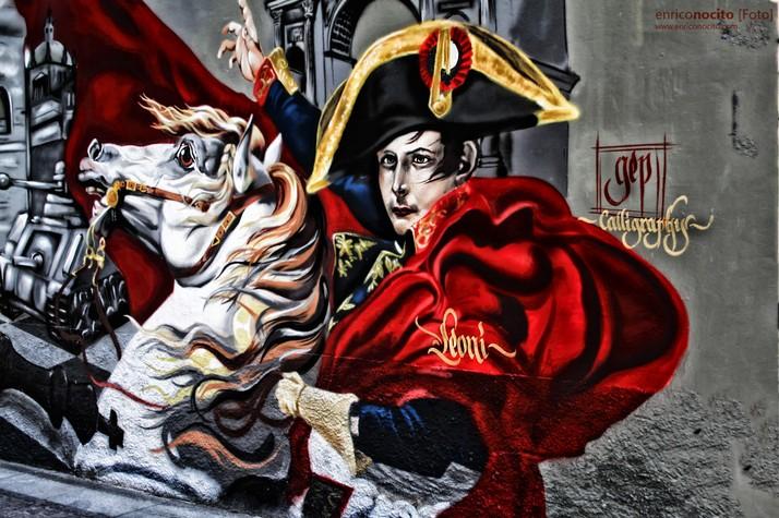 dettagli dei murales in piazza vetra che ripercorrono la storia di Milano - foto di @masslupster